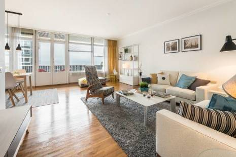 Furnished One Bedroom in UN District with Lake View