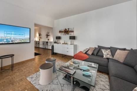 3 Bedroom Apartment Newly Furbished, Modern Design