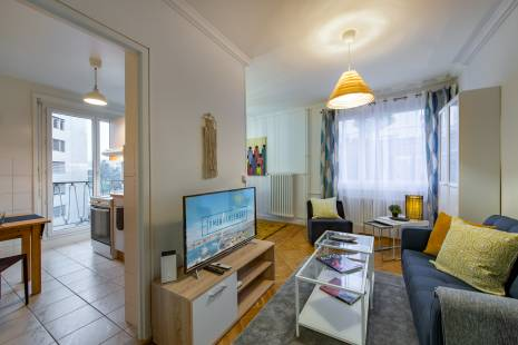 Newly refurbished apartment near the train station in downtown Geneva